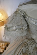 27 antique ball gown 1859