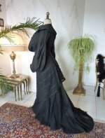 29 antique walking gown 1901