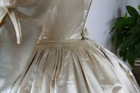 15 antique wedding dress 1845