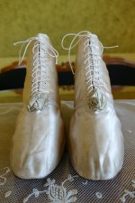 2 antique wedding boots 1818