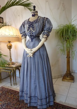 antique dress 1901