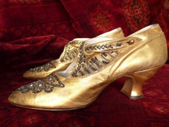 antique shoes, shoes 1920, flapper shoes, antique dress, golden shoes
