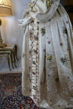29 antique court dress 1838