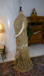 17 antique Drecoll Negligee 1912