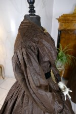 24 antique afternoon dress 1840