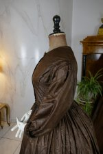 44 antique afternoon dress 1840