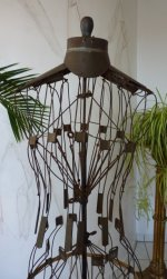 1 antique wire dressmakerform 1881