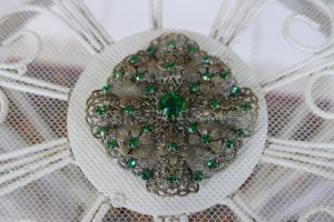 antique brooch 1920