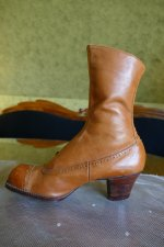 8 antique RADCLIFFE boots 1916