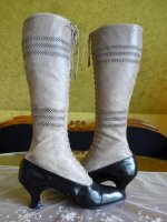 22 antique knee boots 1905