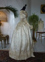 51 antique gown 1835