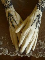 16 antique gloves 1900