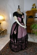 29 antique crinoline ball gown 1855