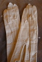10a antique gloves 1910