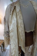 104 antique silk coat 1906