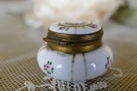 5 antique little Boudoir jar 1920