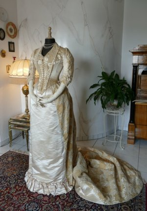 antique court dress 188