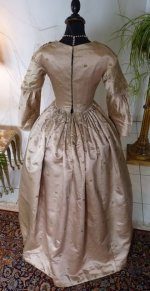 35 antique dress 1840