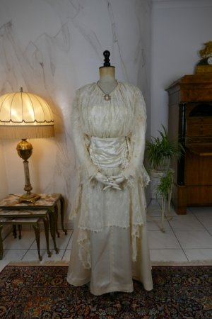 antique wedding dress Barcelona 1908