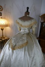 25 antique ball gown 1864