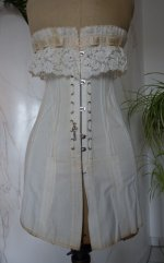 4 antique au royal corset 1910