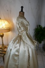 26 antique wedding dress 1845