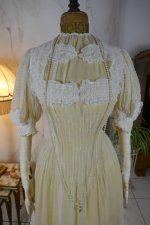 32 antique tea gown 1903