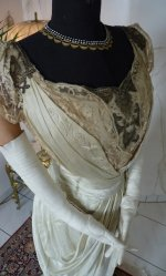 10c antique gown