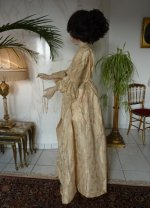 63 romantic period mannequin