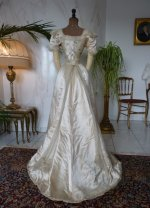 38 antikes Opernkleid 1890