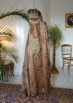 22 antique coat Paris