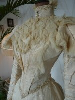 7b antique wedding gown 1895