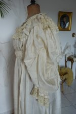 11 antique negligee 1900