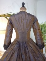 24 antique Gown 1840