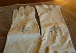 6 antique-embroidered-gloves