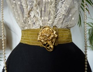 antique-belt-buckle