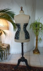 18 antique corset 1895