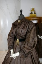 16 antique afternoon dress 1840