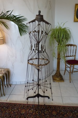 antique wire dressmakerform 1881