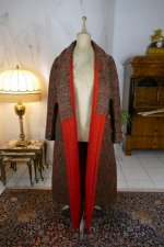 28 antique Mens dressing coat 1865
