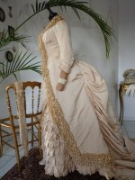antique dress, antique gown, Cul de Paris, dress 1880, gown 1880, antieke jurk, bustle dress, bustle dress 1880, dress 1880s, gown 1880s, wire cage dress, bustle cage dress, victorian dress, Wedding dress 1880, wedding dress 1883, wedding gown 1880, wedding gown 1883, antique wedding dress, antique wedding gown, bridal gown, dress 1883, gown 1883, Victorian wedding dress, vestido antigo, vestido antiguo, antik ruha, antikk kjole