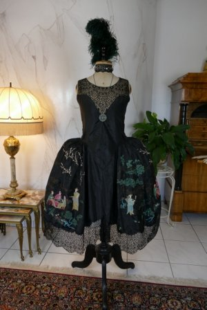 antique robe de style 1924