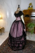 25 antique crinoline ball gown 1855