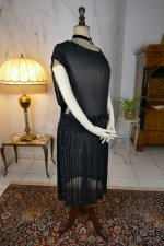 28 antique evening dress 1924