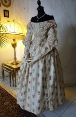 28 antique romantic period dress 1839