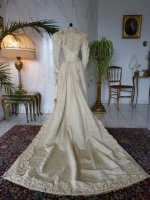 35 antique bridal deess 1895