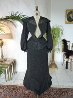 23 antique walking gown 1901