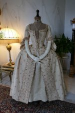 17 antique robe a la Francaise 1770