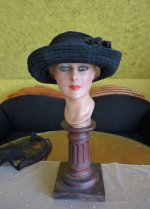 12 antique mourning Hat 1905