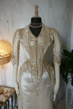 37 antique court dress 188